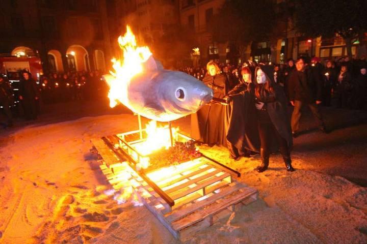 Carnaval in Spanje Begrafenis van de Sardine
